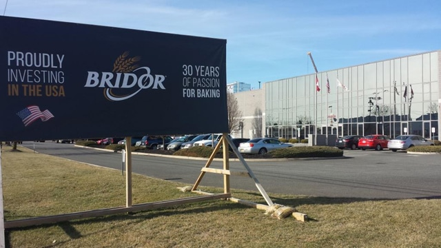 Bridor Bldg Front w_Sign.w